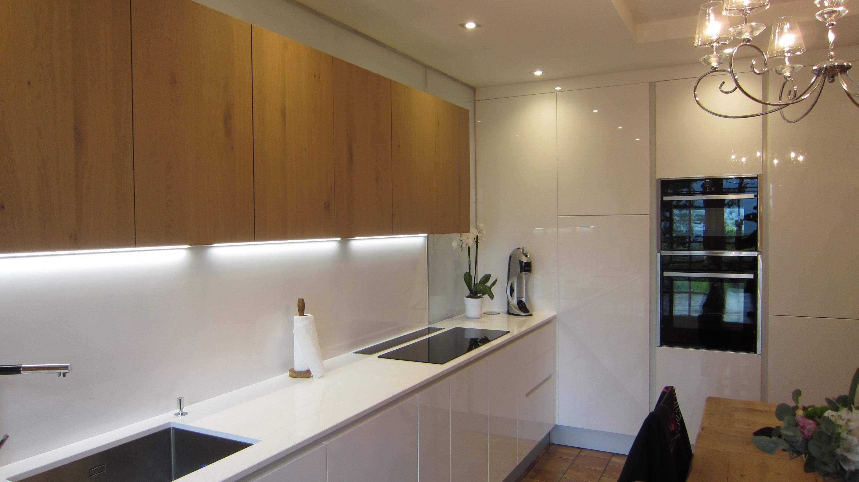 cr dence en verre r tro clair cr dence lumineuse afdesign le blog. Black Bedroom Furniture Sets. Home Design Ideas